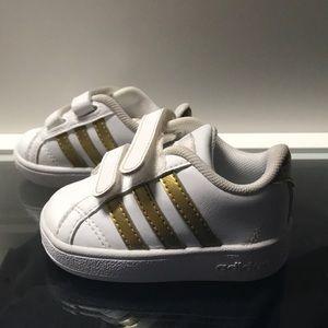 Adidas zapatos de bebe talla 3 poshmark EUC